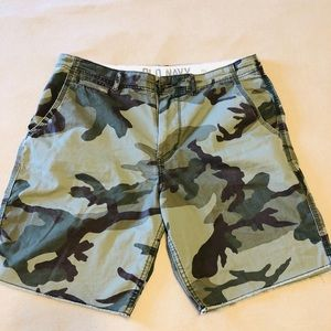 Camouflage Print shorts Small size